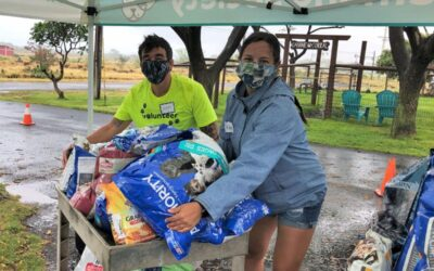 Maui Time Weekly: MHS Hands Out Donated Dog Food