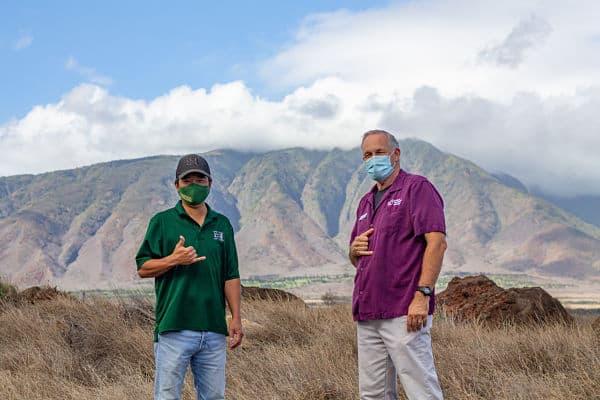 Shan Tsutsui and Steve MacKinnon at Maui Humane Society